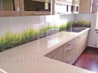 Trawy w kuchni w kolorze kości słoniowej