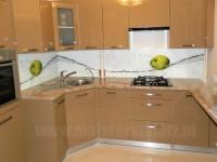 Motyw zielonego jabłka w kuchni fronty w kolorze jasnobrązowym