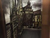 panel szklany w windzie
